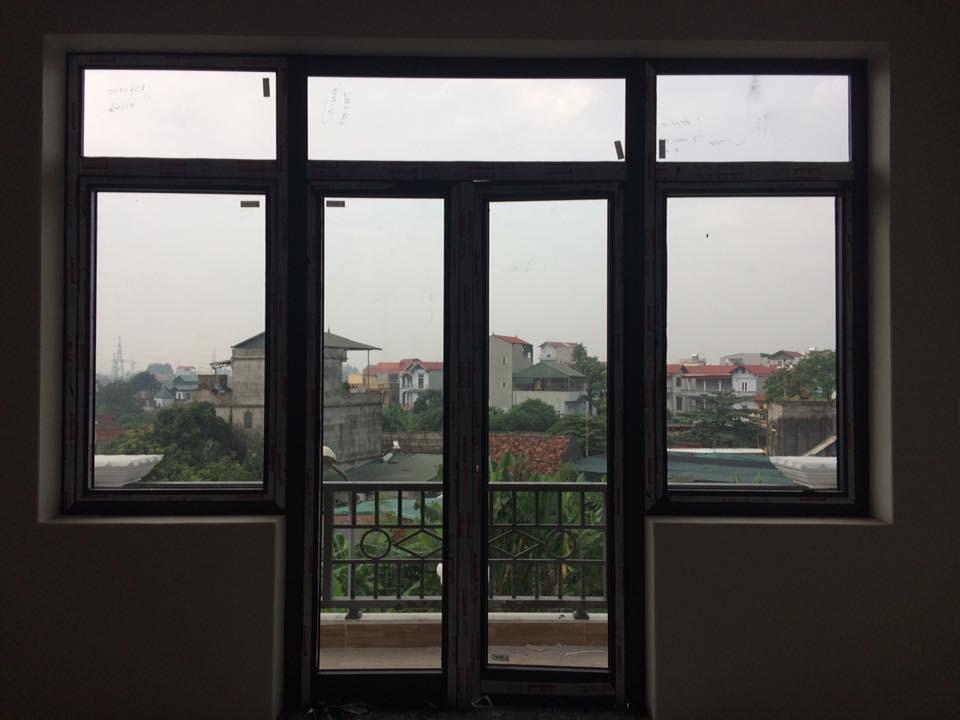 Cửa đi mở quay 2 cánh kết hợp cửa sổ mở quay