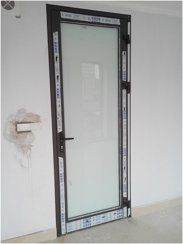 Mẫu cửa nhôm kính Xingfa cho cửa hàng