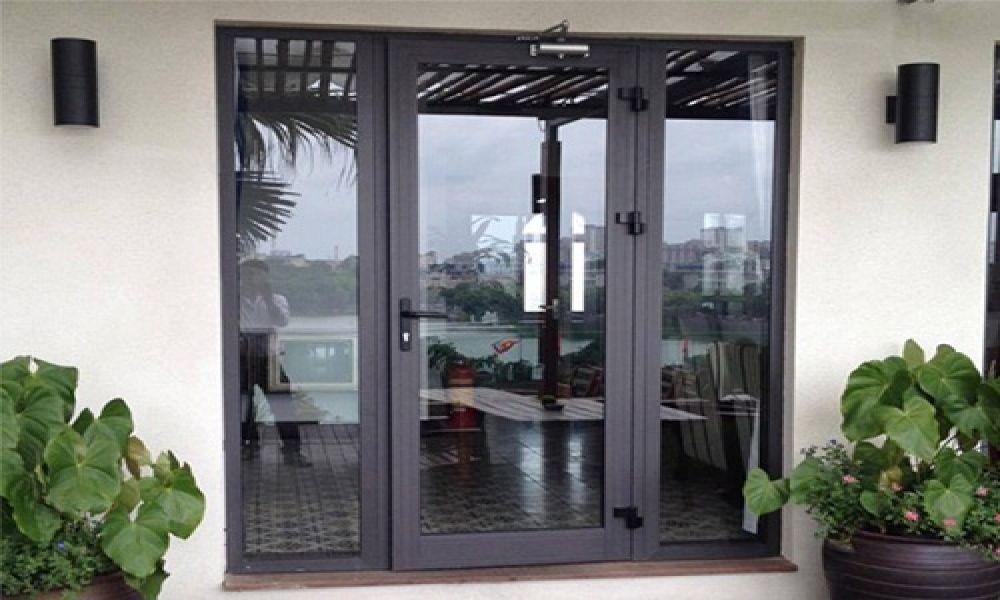 Cửa nhôm xingfa mang nhiều ưu điểm nổi bật hơn cửa gỗ